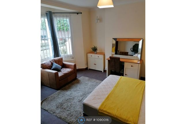 Room to rent in Weston Road, Southend On Sea