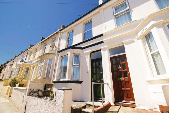 Thumbnail Terraced house for sale in Holcombe Road, Rochester