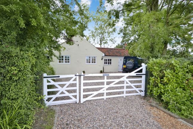 Thumbnail Bungalow for sale in Brick End, Broxted, Dunmow