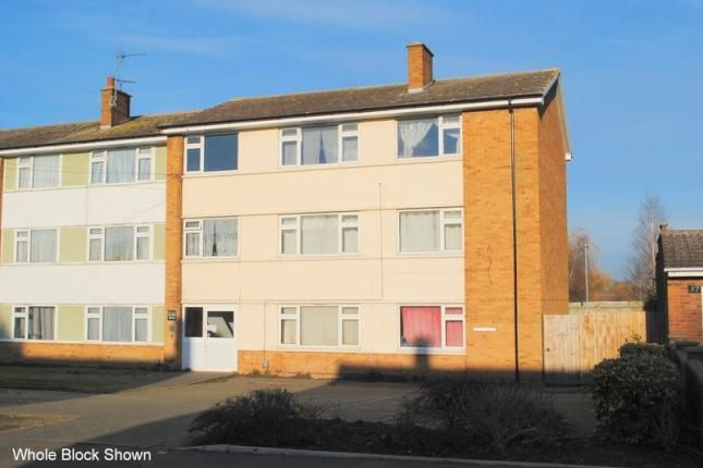 2 bed flat to rent in Grafton Road, Rushden