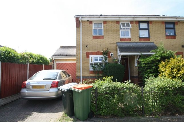 2 bed semi-detached house to rent in Trader Road, Beckton, London