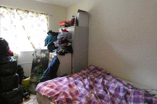 Bedroom One of Willingham Street, Grimsby DN32