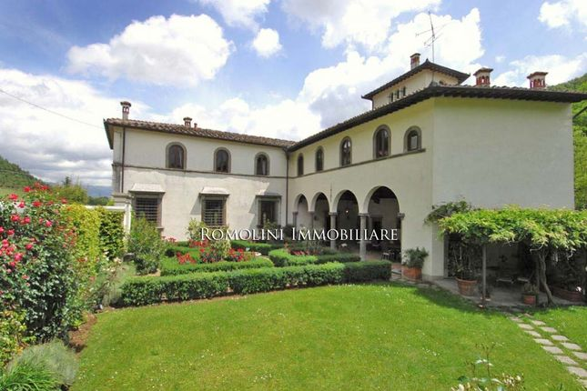 5 bed country house for sale in Borgo San Lorenzo, Tuscany, Italy