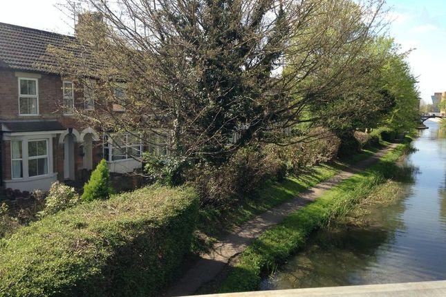 Thumbnail Terraced house to rent in Coronation Villas, Aylesbury