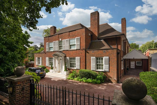 Thumbnail Detached house for sale in Avenue Road, London