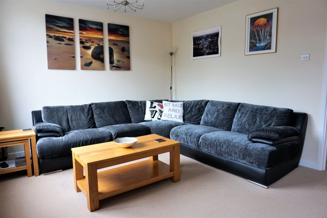 Thumbnail Maisonette for sale in Fleet Road, Fleet