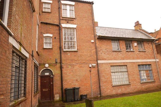 Thumbnail Flat to rent in The Avenue, High Street, Bridgwater