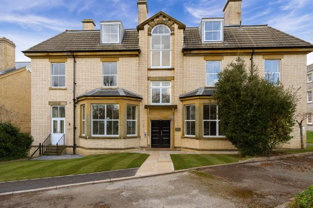 Thumbnail Flat for sale in Metropolitan House, The Square, The Millfields, Plymouth, Devon