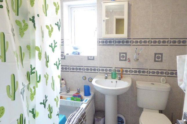 Bathroom of Princes Road, Hull HU5