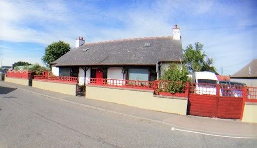 Thumbnail Bungalow for sale in The Bungalow, Thornhill Road, Cuminestown, Turriff
