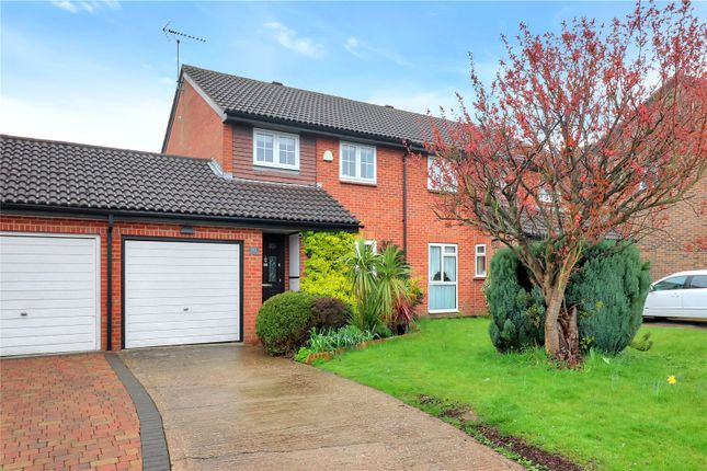 Thumbnail Semi-detached house for sale in Furtherfield, Abbots Langley