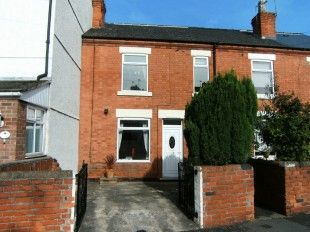 3 bed terraced house to rent in Linby Avenue, Hucknall, Nottinghan