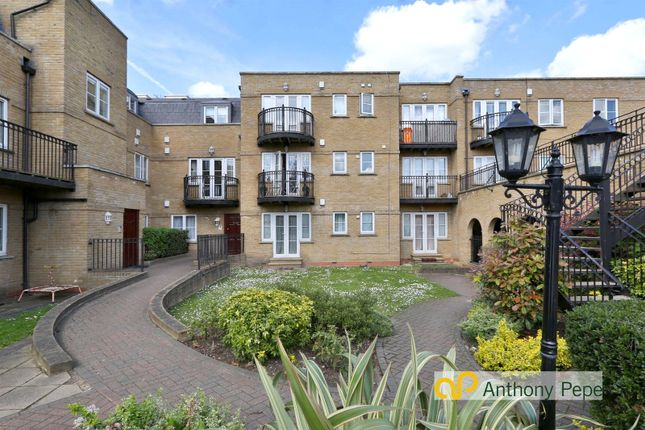 Thumbnail Flat for sale in Fontaine Court, 45 High Street, Southgate, London