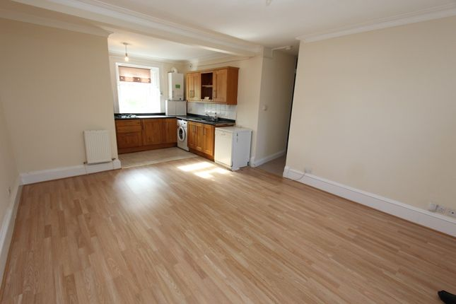 Thumbnail Flat to rent in Newton Mearns, Greenlaw Road, - Unfurnished