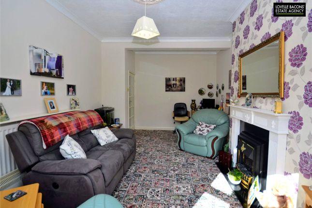 Lounge Full of Torrington Street, Grimsby DN32