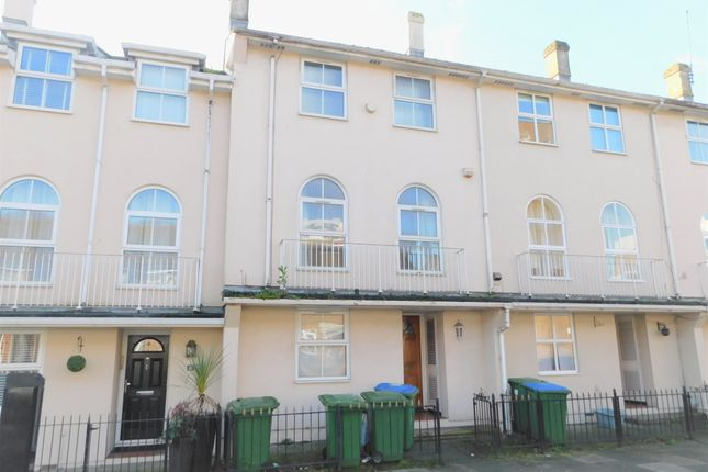 Thumbnail Town house to rent in Jessie Terrace, Southampton