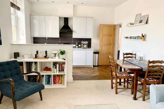 2 bed flat for sale in Sheffield Road, Penistone, Sheffield S36