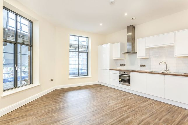 1 bed flat to rent in Trinity Road, London