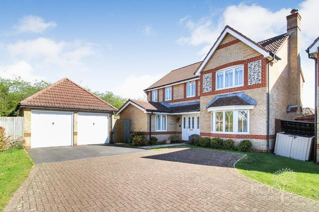 Thumbnail Detached house for sale in Bluebell Way, Thatcham