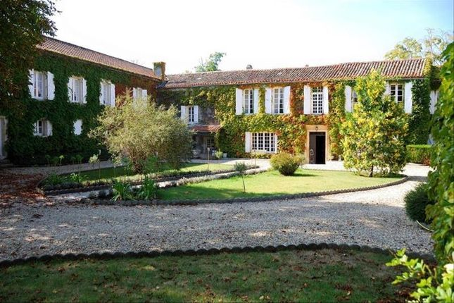 Thumbnail Property for sale in Angouleme, Poitou-Charentes, France