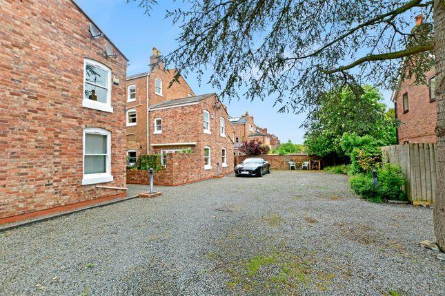Leam terrace leamington spa warwickshire cv31 2 bedroom for Modern homes leamington