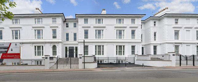 Thumbnail Flat to rent in Mount Ephraim Road, Tunbridge Wells