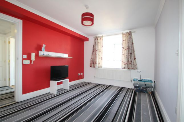 Thumbnail Property for sale in Harewood Court, Wilbury Road, Hove