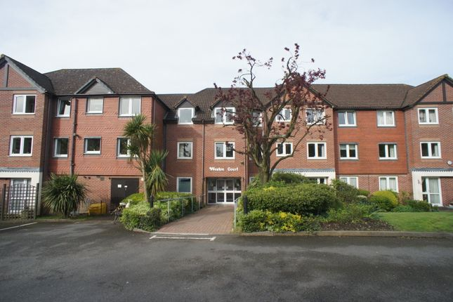 Thumbnail Flat for sale in Farnham Close, Whetstone