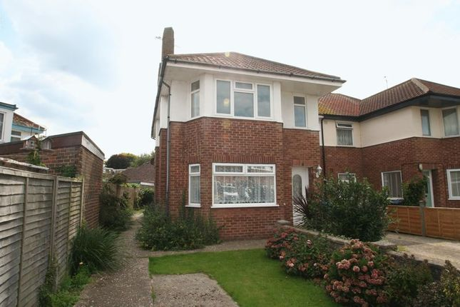 Thumbnail Flat for sale in Ardingly Drive, Goring-By-Sea, Worthing