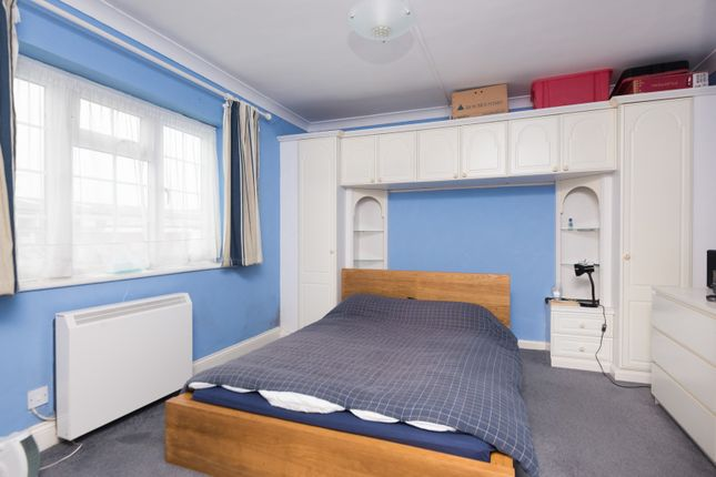Bedroom of Roseacre Close, Canterbury CT2