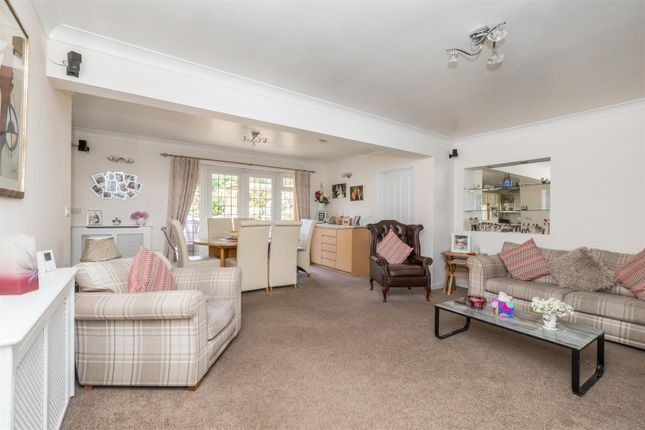Thumbnail Detached bungalow for sale in Coombe Road, Steyning