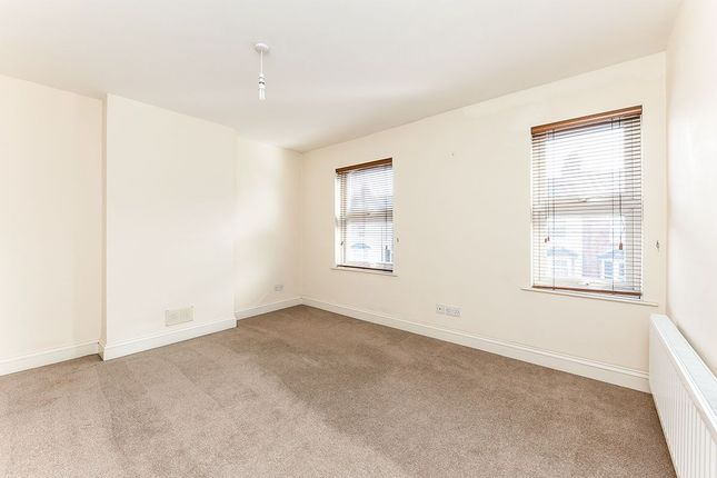 Terraced house to rent in Grove Road, Hitchin