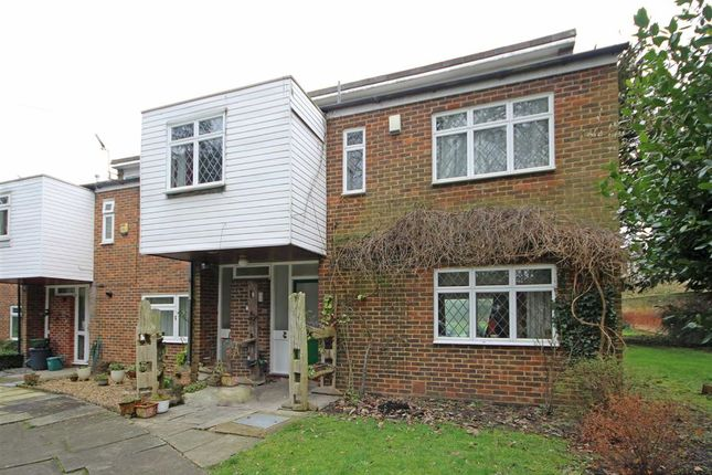 Thumbnail Property to rent in Castle Way, Feltham