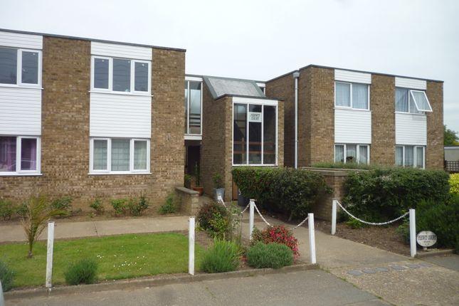 Thumbnail Flat to rent in Peewit Court, Grange Road, Felixstowe