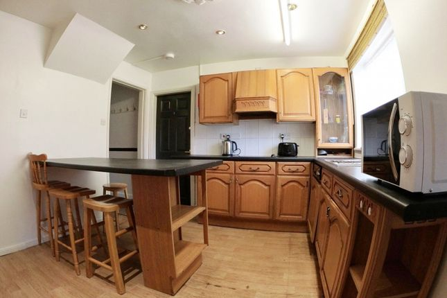 Thumbnail Shared accommodation to rent in Staunton Court, West End, Lincoln, Lincolnshire