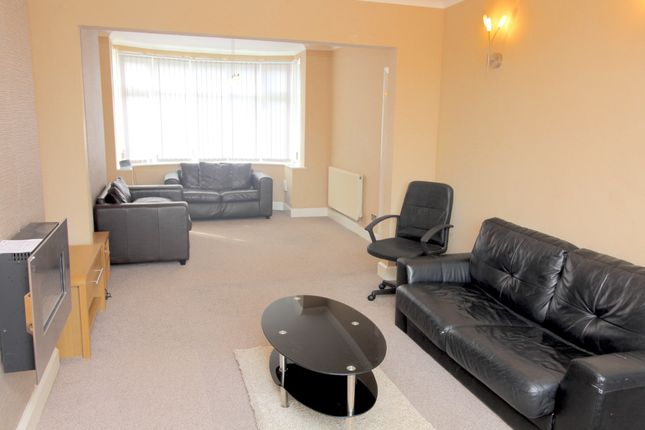 Thumbnail Flat to rent in Lon Cothi, Cockett, Swansea