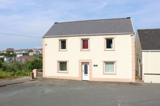 4 bed town house for sale in Chapel Street, Hakin, Milford Haven
