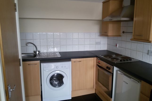 Thumbnail Flat to rent in Firth Road, Leeds