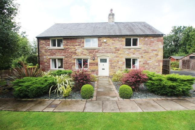 Thumbnail Cottage to rent in Roach Road, Samlesbury, Preston