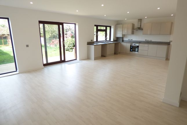 Thumbnail Bungalow to rent in Bexley Lane, Sidcup