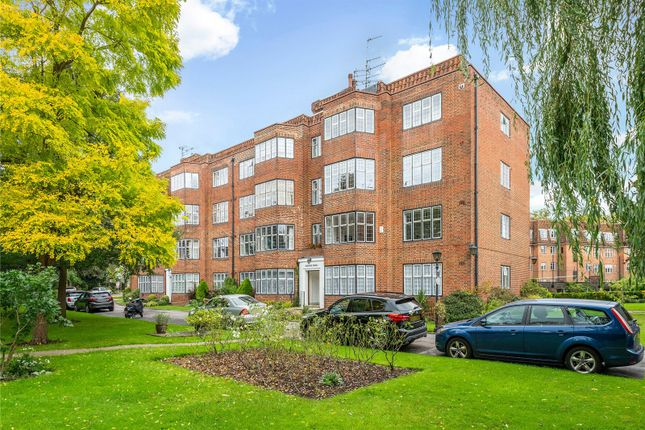 3 bed flat for sale in Highlands Heath, Portsmouth Road, London SW15