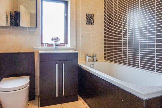 Bathroom of Cromwell Court, Bradford BD9