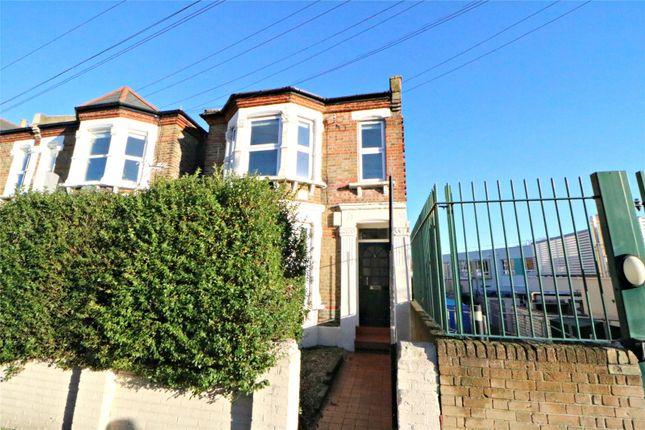 3 bed flat for sale in Beecroft Road, Brockley, London SE4