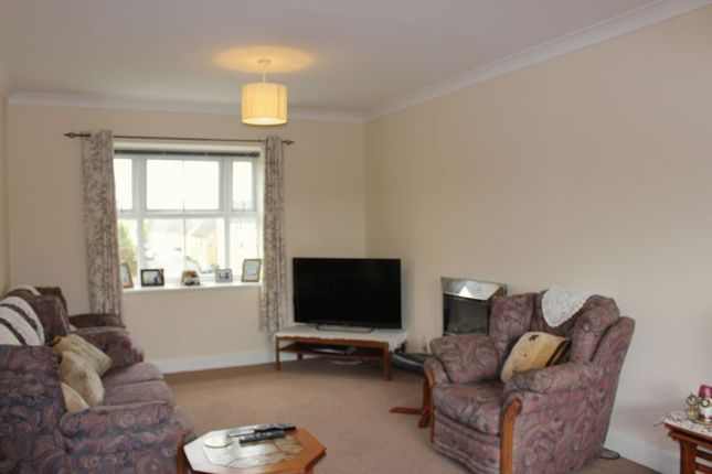 Thumbnail Flat for sale in Grouse Road, Calne