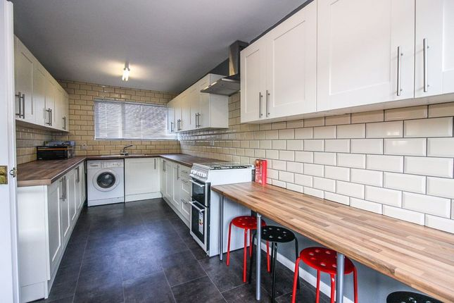 4 bed end terrace house to rent in Meare Road, Bath BA2