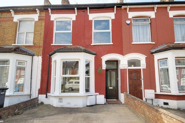 Thumbnail Terraced house for sale in Whittington Road, London