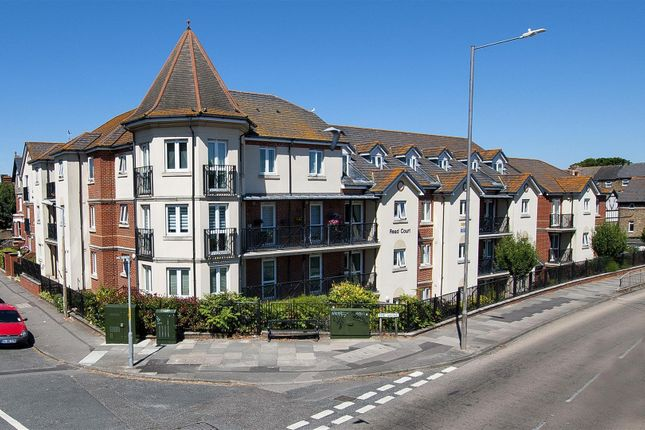 Thumbnail Flat to rent in The Grove, Westgate-On-Sea