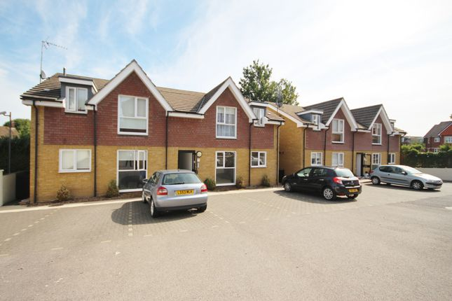 Thumbnail Property for sale in Craufurd Rise, Maidenhead