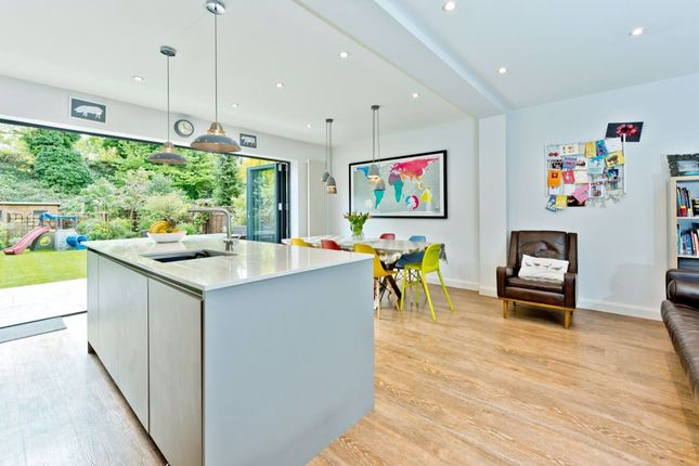 Thumbnail Property to rent in Victoria Avenue, Surbiton