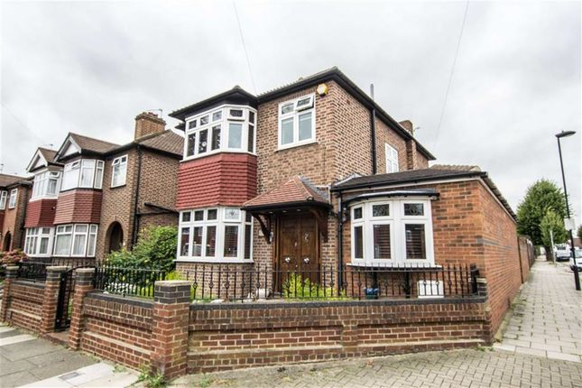 Thumbnail Detached house for sale in Amberley Road, Enfield, Middlesex